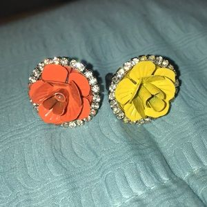 Set of 2 yellow and orange flower rings.